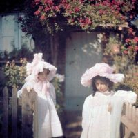 """Photo by John Cimin Walburg: 1915 """"Two girls at the gate."""""""