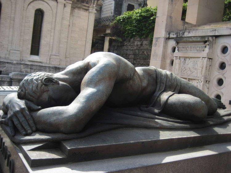 Cementerio Monumental de Staglieno, hombre durmiente