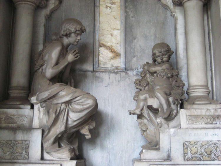 Cementerio Monumental de Staglieno, niño y madre