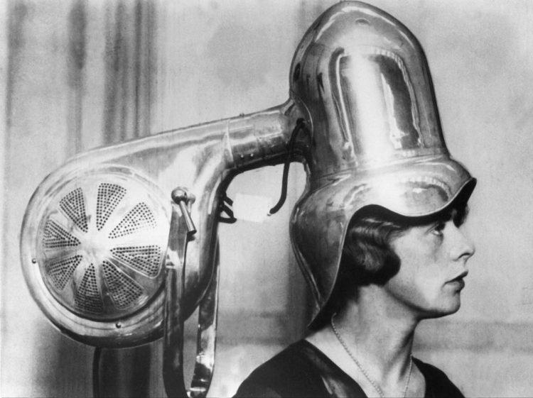 Breve historia del secador de pelo. Artículo en Cultura Bizarra.